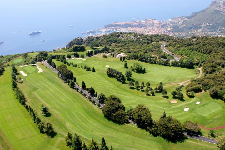 Golf-Monte-carlo-Monaco-club-house-18-trous-parcours-green-practice-sport-loisirs-cote-azur-mer-2-1